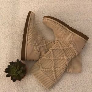 Cardi Knit Ugg Boots- EUC!
